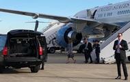 Самолет с Меланией Трамп задымился в воздухе