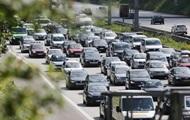 Вечерний Киев сковали многочисленные пробки