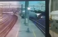 Появилось видео крушения поезда на Тайване
