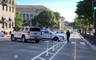 В ограждение рядом с Белым домом врезался автомобиль