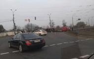 На Харьковском шоссе в Киеве автомобиль сбил полицейского