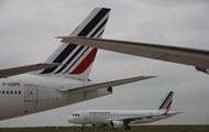 Два самолета столкнулись в аэропорту Парижа