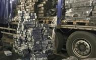На границе с Польшей в грузе торфа нашли 17 тысяч пачек сигарет