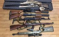Луценко нарахував три млн одиниць незаконної зброї