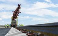 Установлены все железнодорожные опоры Крымского моста