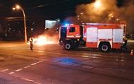 В Киеве дотла сгорело авто