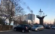В Киеве на Оболони горит высотка, людей эвакуируют