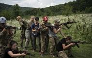 Детей учат убивать. Зарубежные СМИ о лагере националистов в Украине