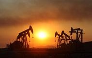 Почему цены на нефть обвалилась на четверть