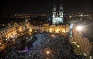 В Чехии тысячи людей требуют отставки премьера