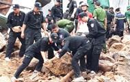 В результате оползней во Вьетнаме погибли 13 человек