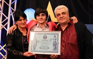 Харьковчанин не пропустил ни одного урока в школе и установил рекорд