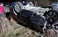 На Закарпатье на сельской дороге столкнулись два авто: двое погибших