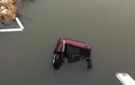 В Ровненской области авто с пьяным водителем упало в реку: двое погибших