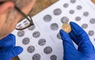 В Израиле найден 900-летный кувшин с золотом