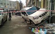 В Киеве неизвестные со стрельбой ограбили авто