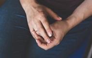 Ученые выяснили, как по пальцам