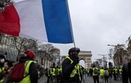 Выросло число пострадавших при протестах в Париже