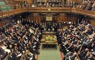 Парламент Британии собирается на срочные дебаты