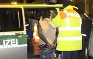 В Германии мигранты забросали камнями полицейских