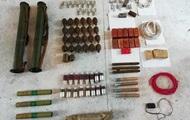 СБУ вилучила у жителя Київської області десятки гранат і вибухівку