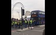 В Лондоне сторонники Brexit заблокировали Вестминстерский мост