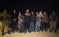 На Львовщине пограничники задержали семь граждан Китая