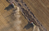 Мораторий на продажу земли продлен на год