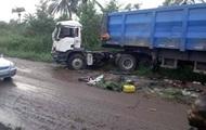 В Конго 27 человек погибли в столкновении автобуса и грузовика