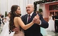 Лукашенко станцевал на балу с Мисс Беларусь