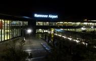 В Германии аэропорт приостановил работу из-за автомобиля