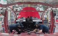 Сборку Tesla Model 3 показали на видео