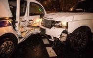 В Киеве внедорожник врезался в машину полицейских