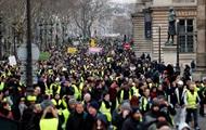 Макрон ответил на новые протесты