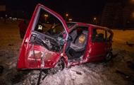 В Киеве произошла авария с участием микроавтобуса