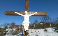 В надругательстве над распятием Христа в Умани подозревают американцев