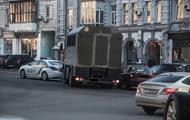 В Киеве МАЗ с нацгвардейцами столкнулся с авто