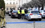 В Польше неизвестный хотел протаранить ворота президентского дворца