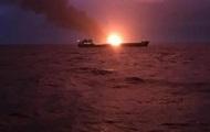 Спасенных с горящих судов моряков привезли в Керчь