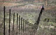 Трамп придумал лозунг для стены на границе