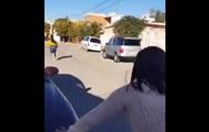 Мать метнула в дочь тапок, попав в нее с 50 метров