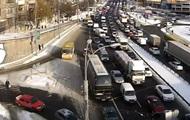В центре Киева многокилометровый затор