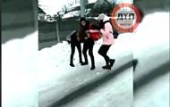 В Сеть попало видео избиения школьницы под Киевом