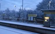 Снегопад в Британии: отменены авиарейсы и закрыты школы