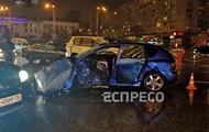 В Киеве столкнулись пять машин, есть жертвы