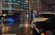 Масштабная авария в Киеве: появились подробности