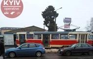 В Киеве сошли с рельсов два трамвая: движение заблокировано