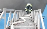 Масштабный пожар в Киеве тушат 137 спасателей