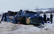 В РФ перевернулся автобус с детьми: семеро погибших