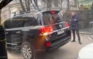В Киеве владелец внедорожника напал на водителя троллейбуса